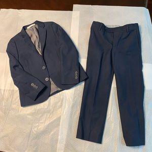 Boy 👦 suit, size 5T.